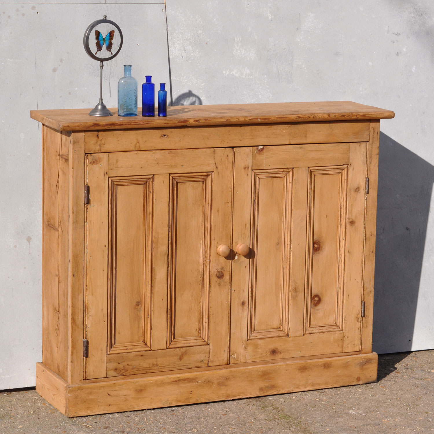 Reclaimed pine two door console cabinet for Cupboard or cabinet