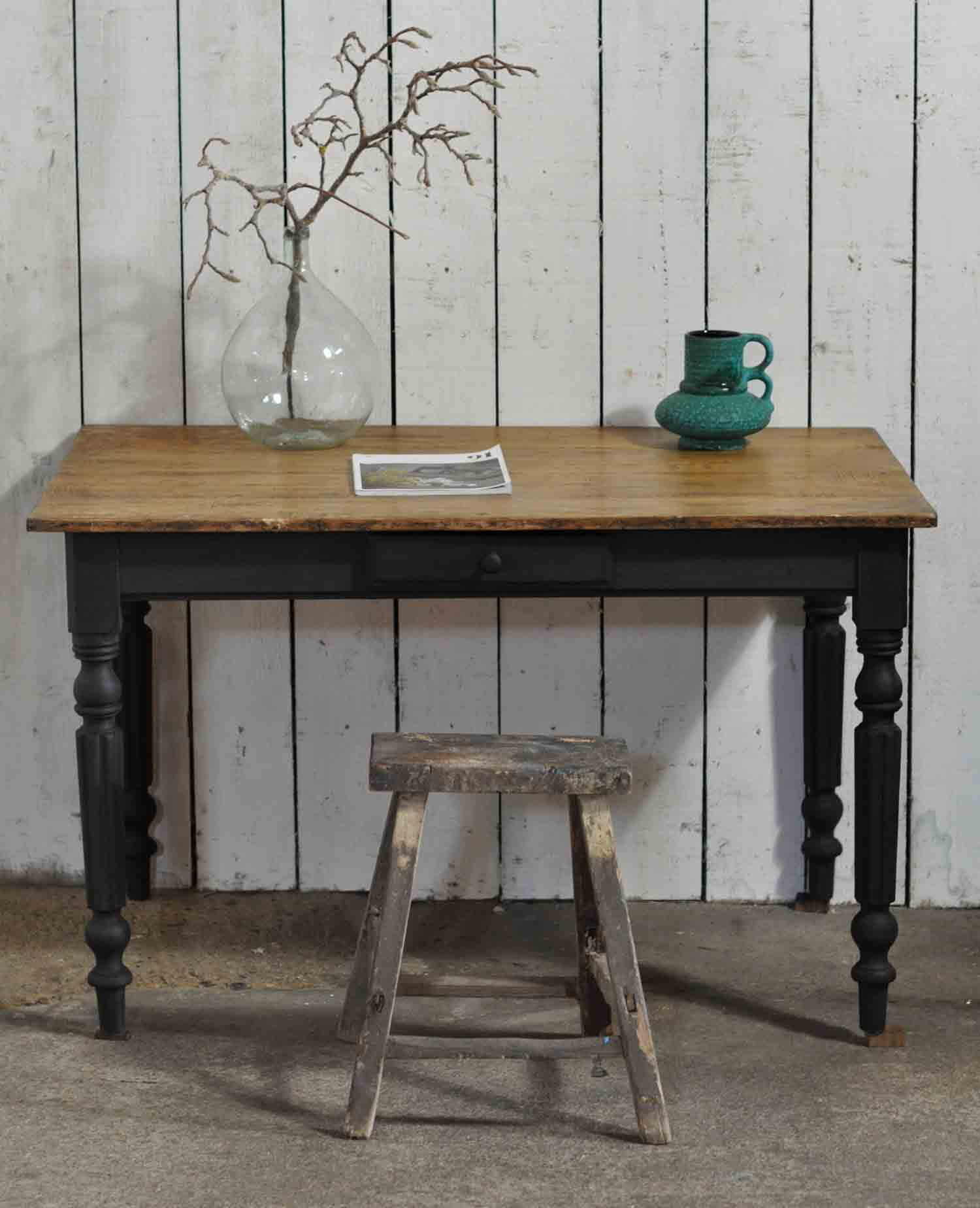 Vintage Writing Desk ~ Ladies vintage writing desk on turned painted legs