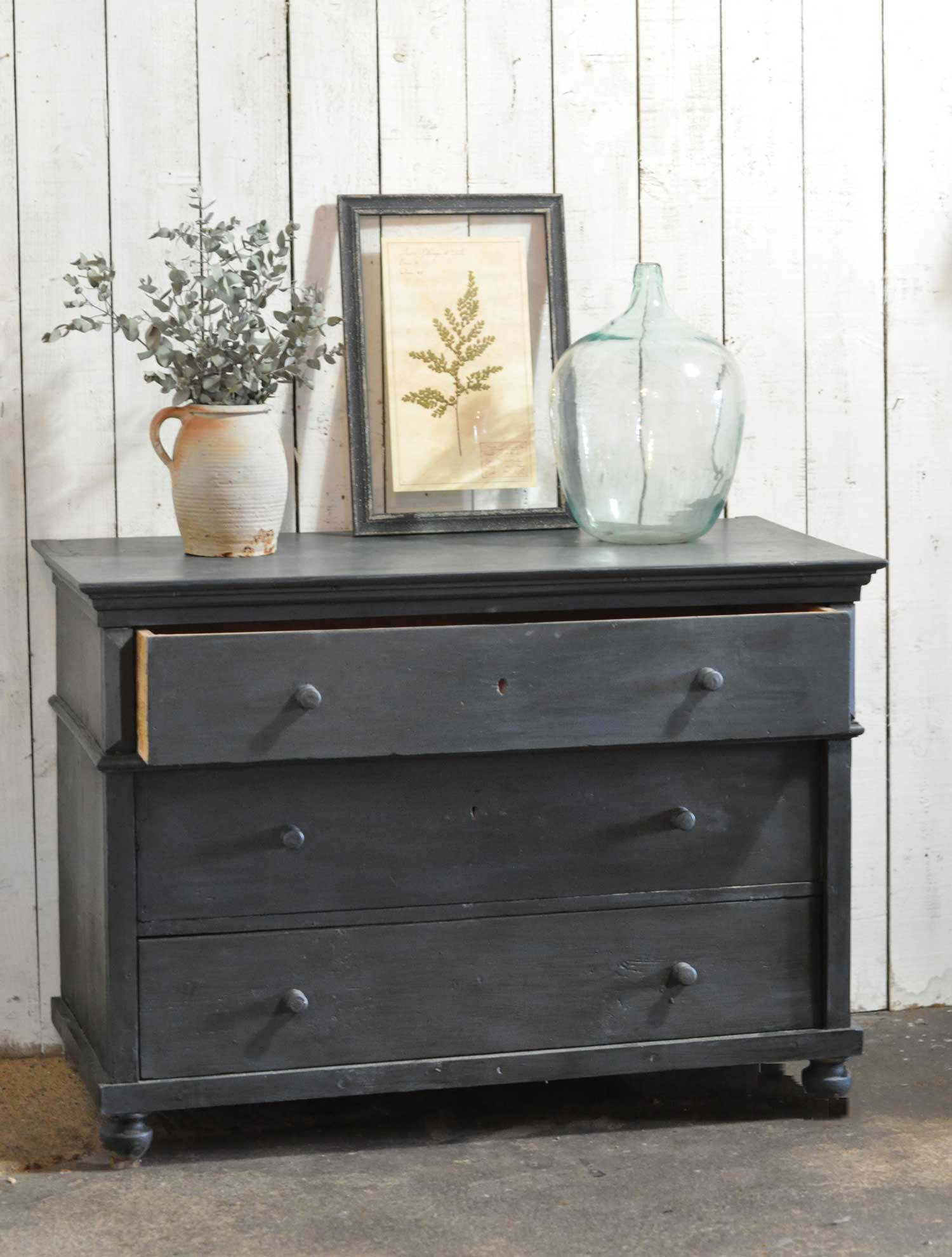 Antique hand painted victorian chest of three drawers for Hand painted chests