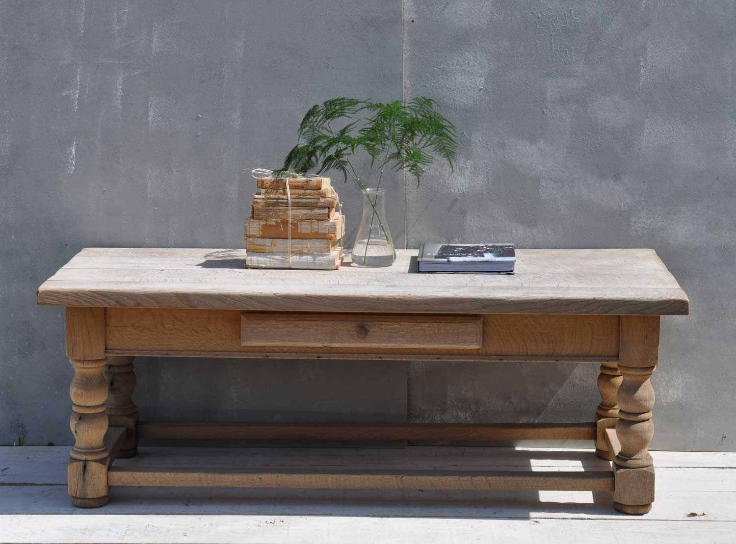 Picture of: Solid Oak Weathered Vintage Coffee Table Home Barn Vintage