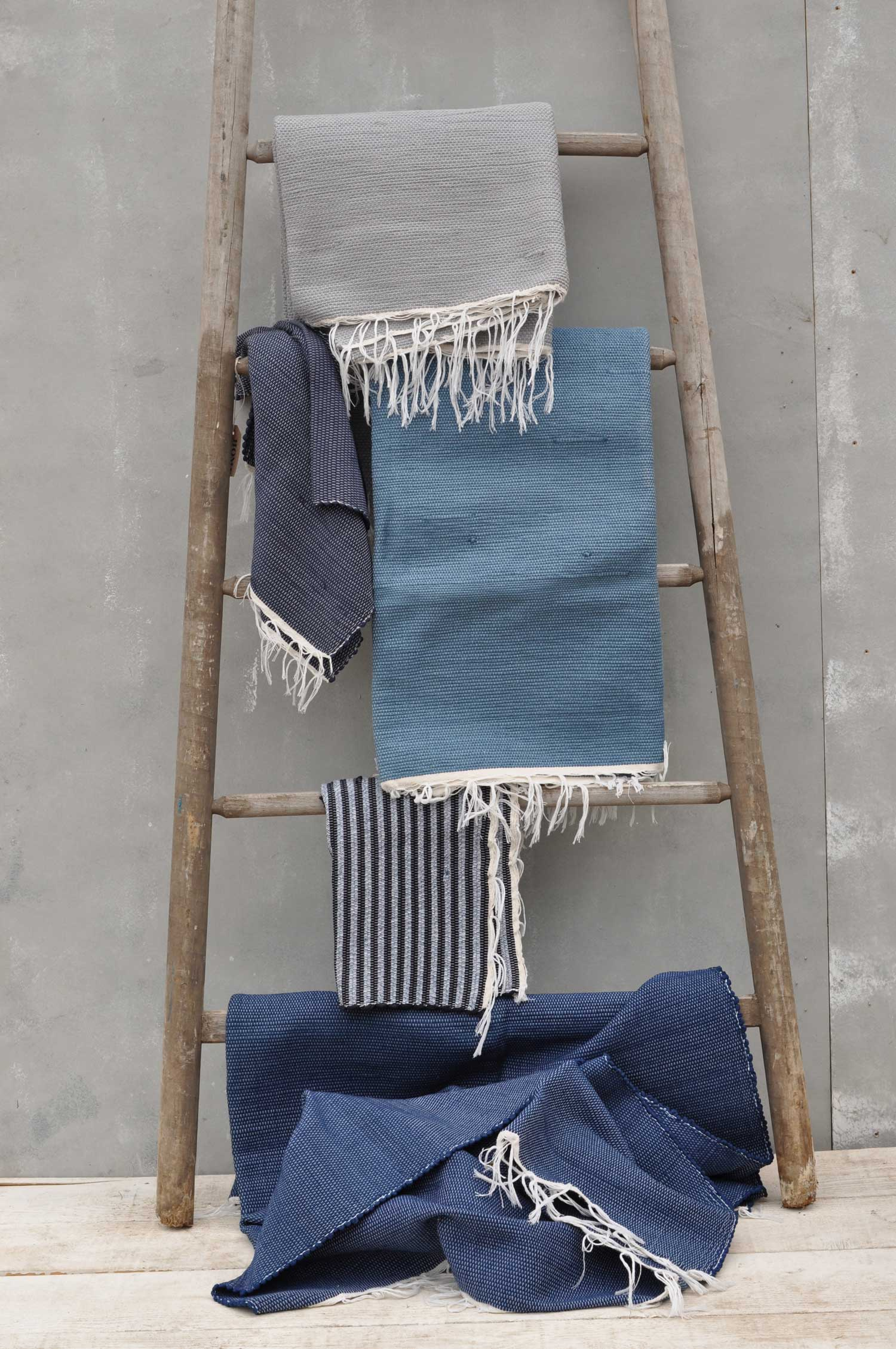Hand Woven Cotton Mediterranean Coast Rug Throw Home