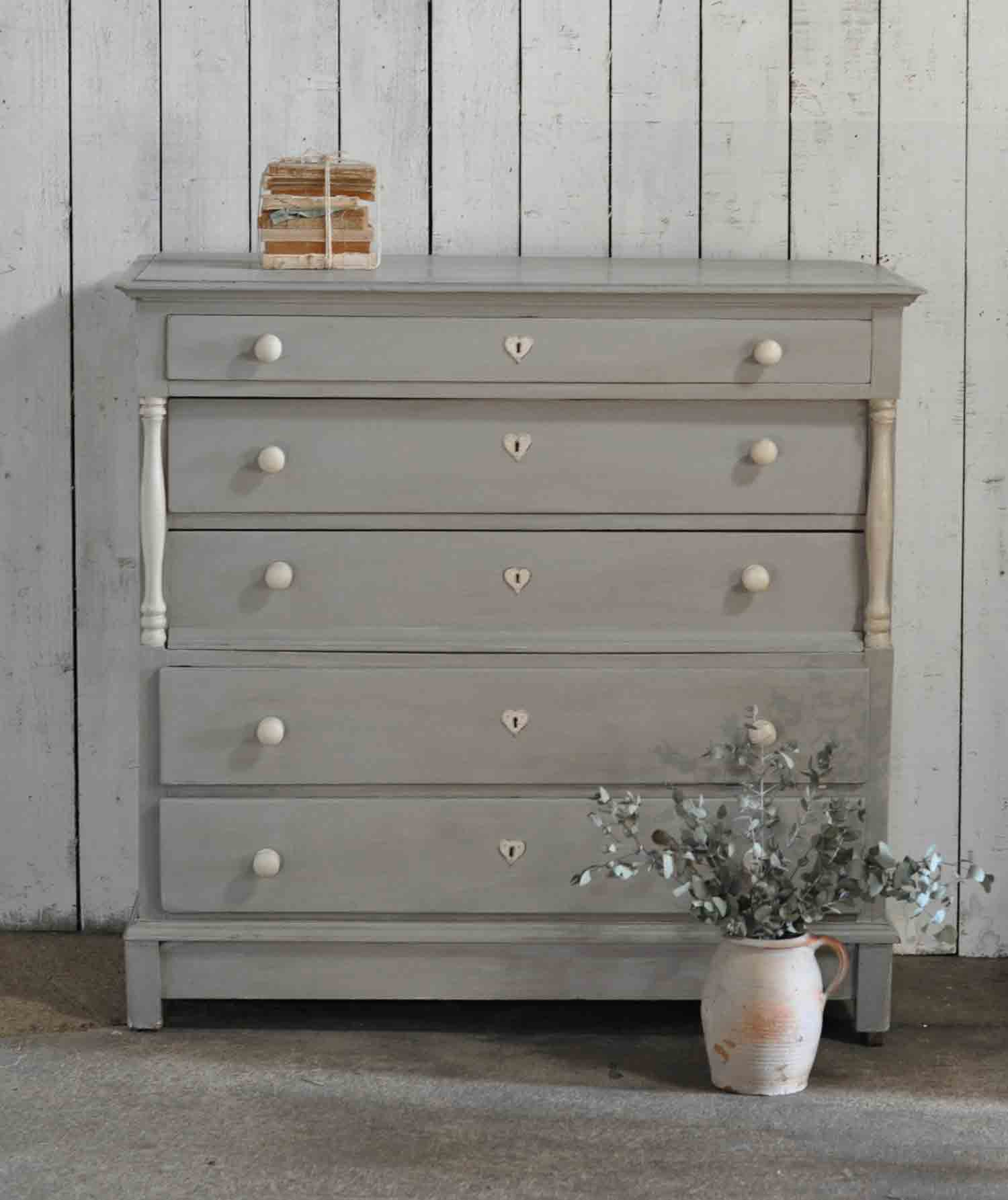 Large victorian linen press chest of drawers with ornate for Housse causeuse linen chest