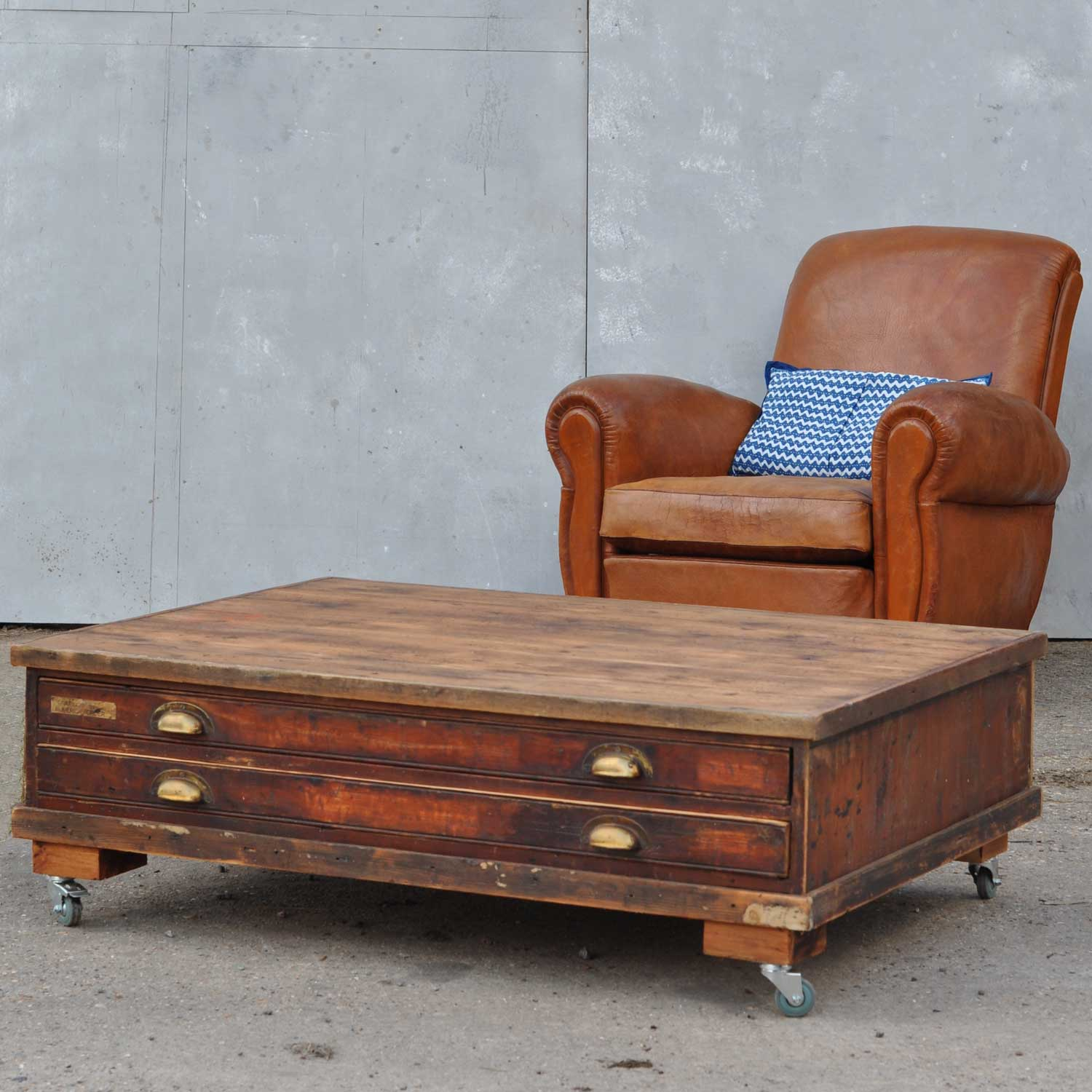 Vintage Plan Chest Coffee Table On Wheels Home Barn Vintage