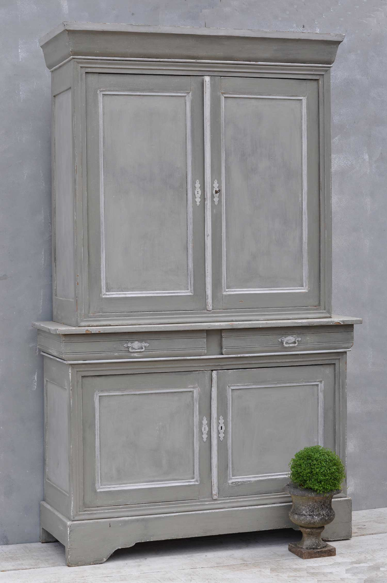 Ordinaire Vintage French Hand Painted Armoire Dresser