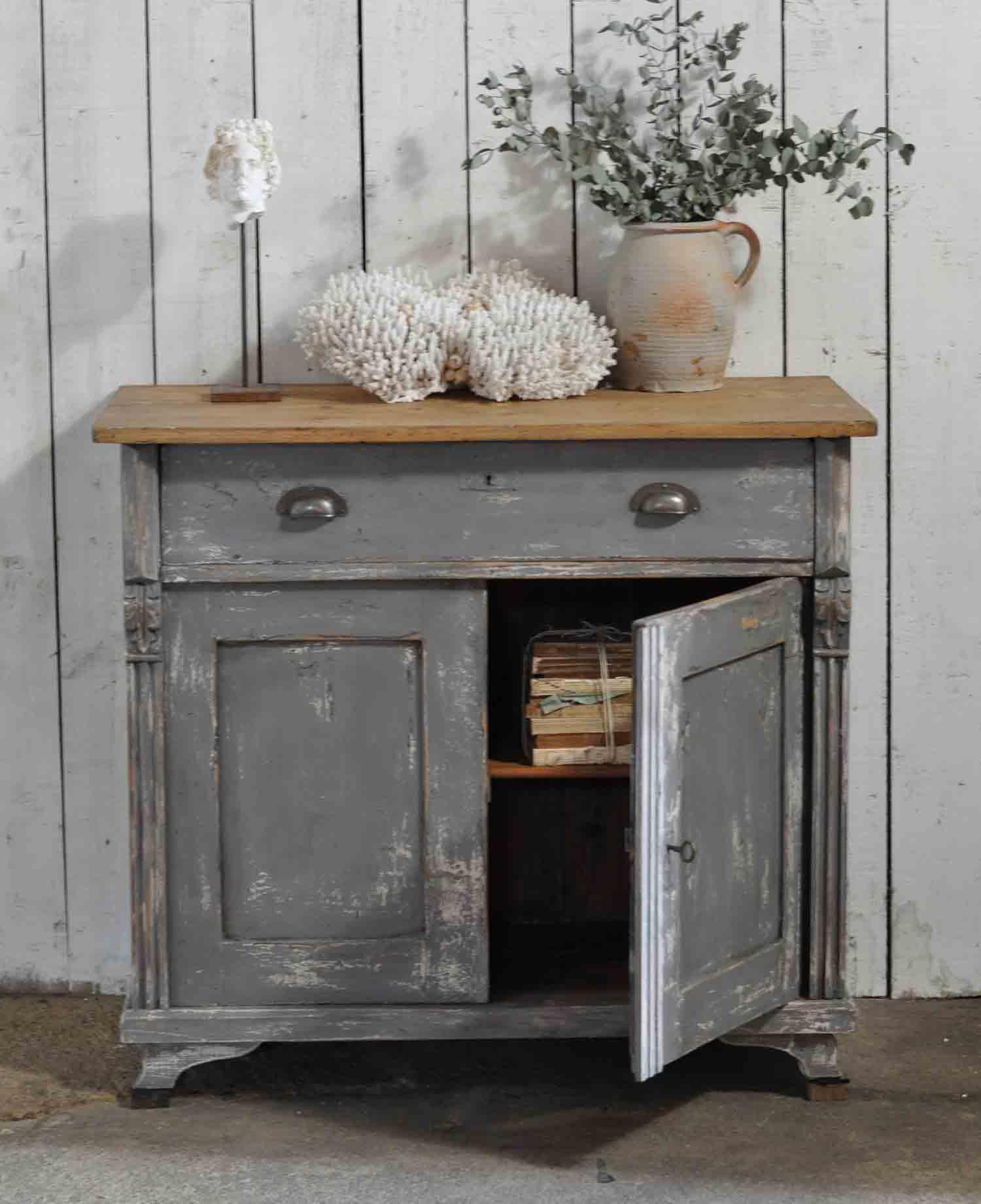 Distressed Kitchen Cabinets: Vintage Distressed Dark Grey Hand Painted European