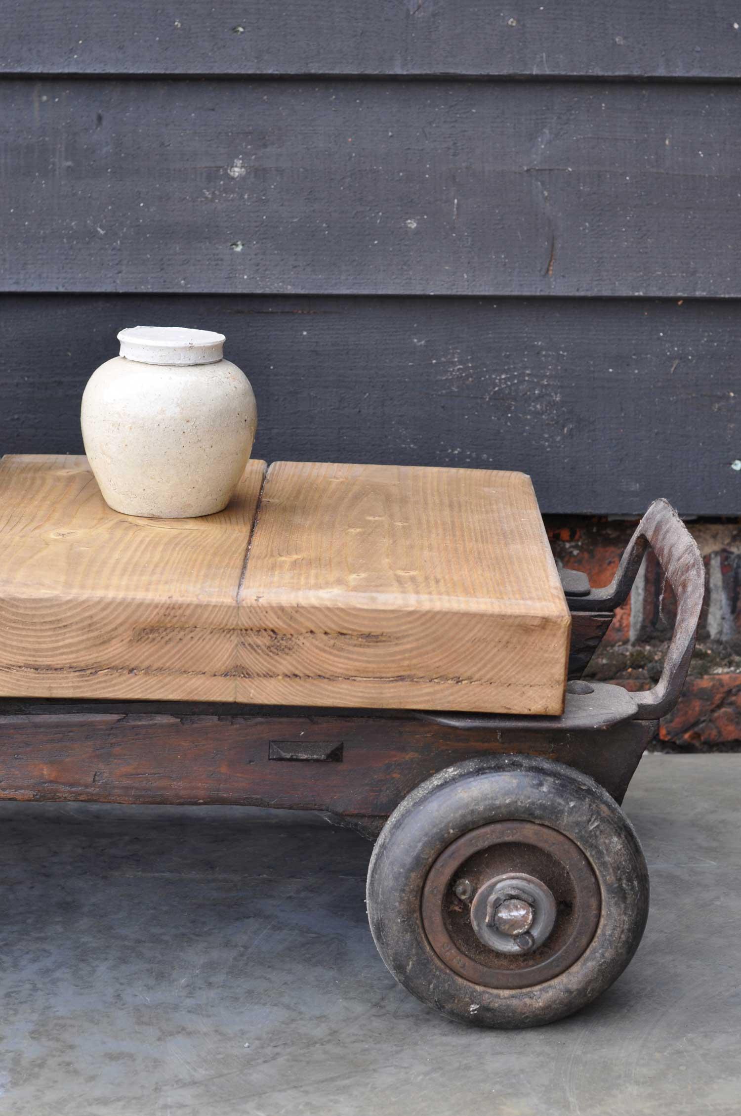 vintage industrial wheeled coffee table small home barn vintage. Black Bedroom Furniture Sets. Home Design Ideas