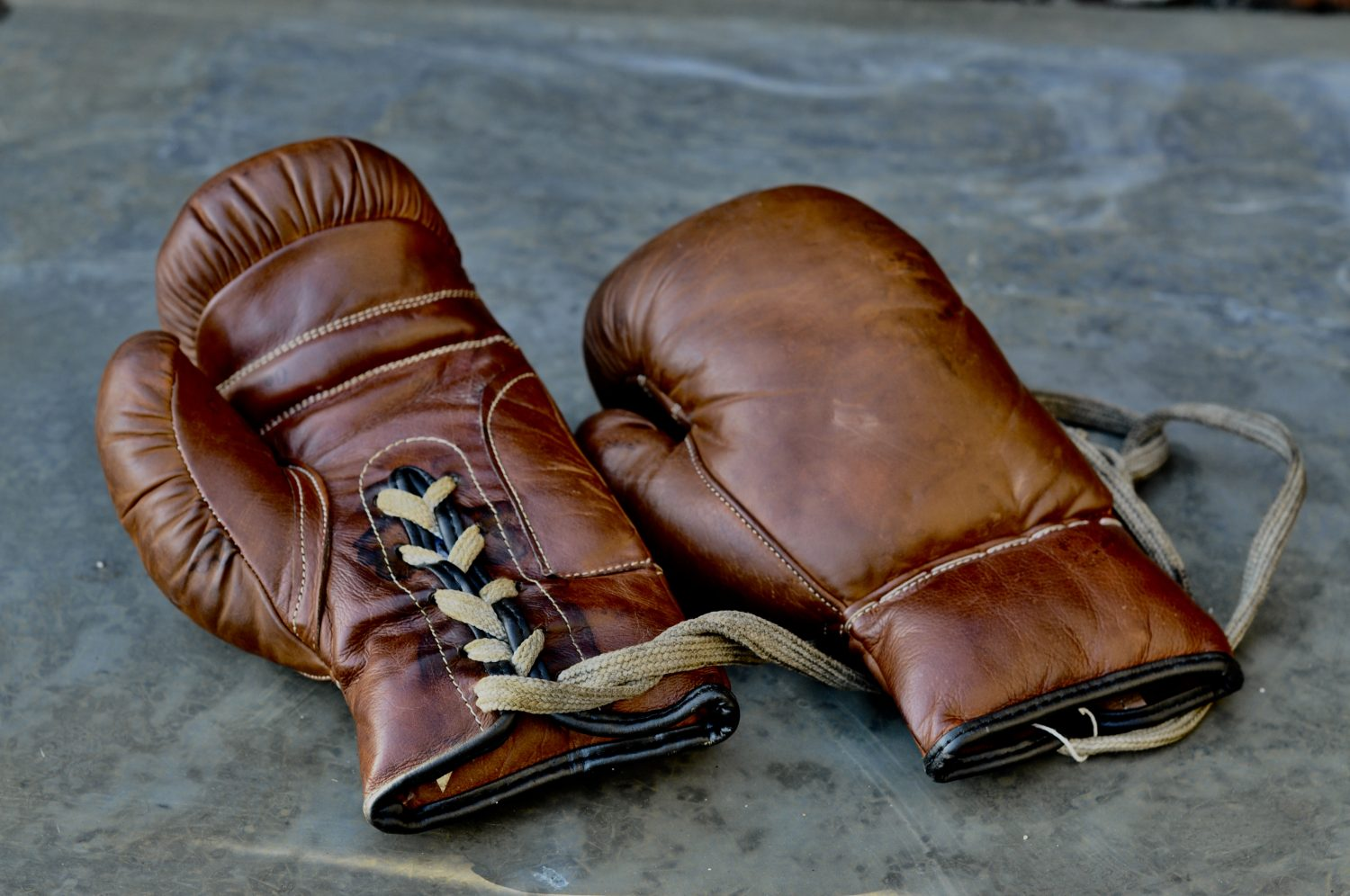 Authentic Leather Vintage Style Boxing Gloves