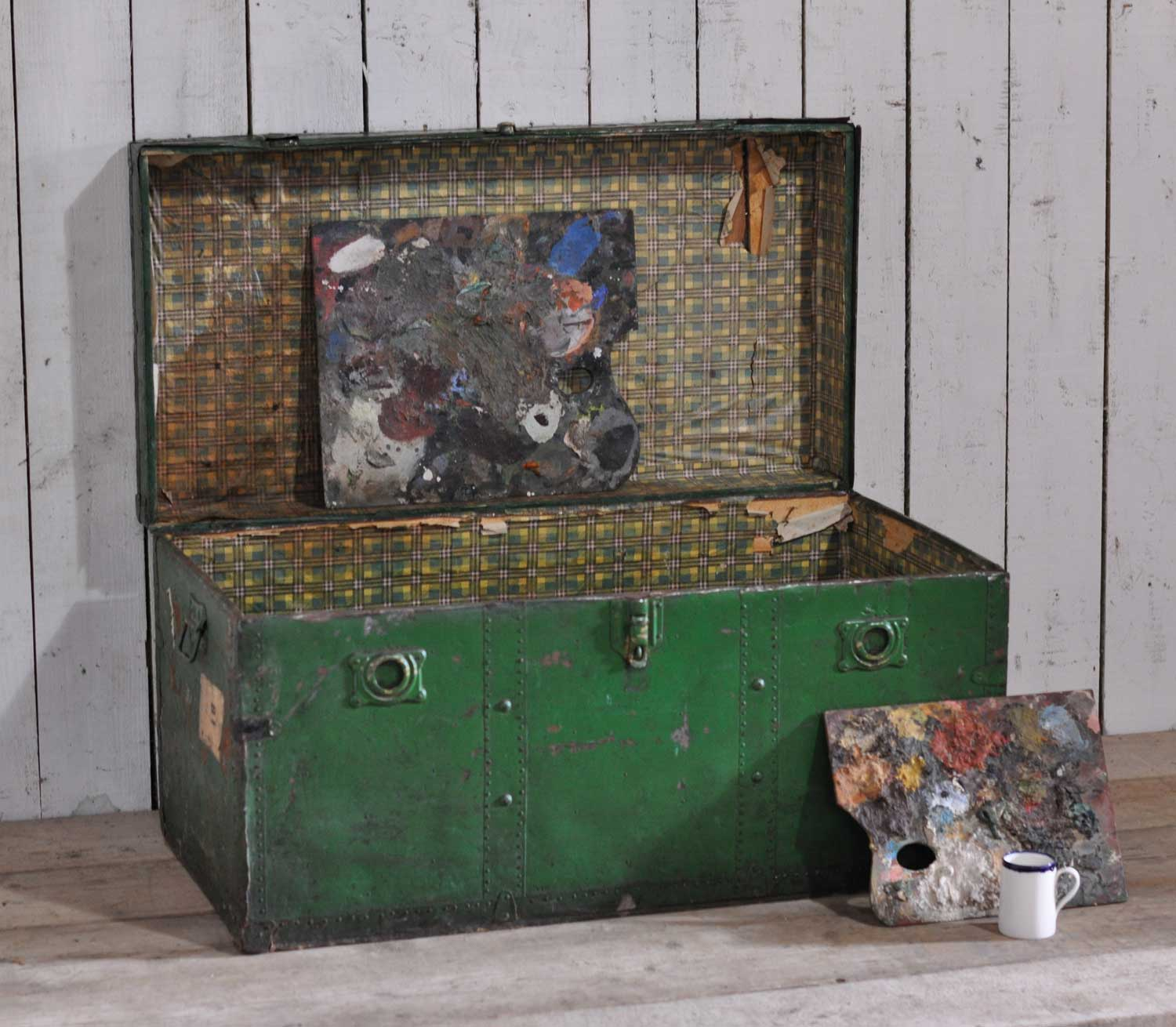 Antique Steamer Shipping Trunk In Dark Green Home Barn