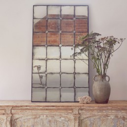 VENETIAN GLASS AGED MIRROR WITH SMALL FLOWER DETAIL
