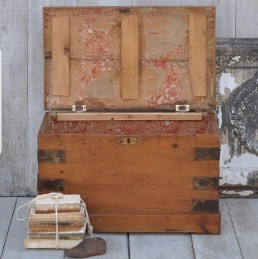 antique blanket box coffee table