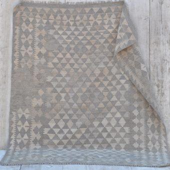 traditional hand woven kilim rug | Esma