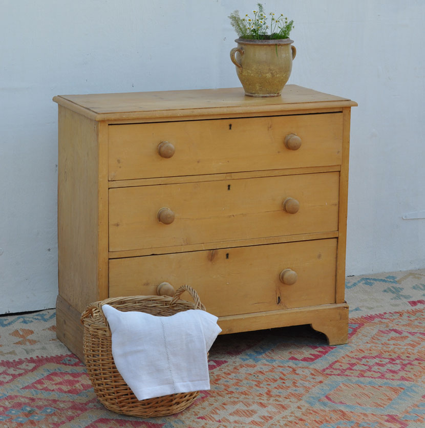 vintage three drawer chest of drawers