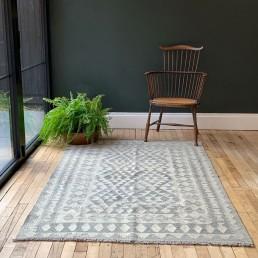 Hand made Kilim rug | Beyza