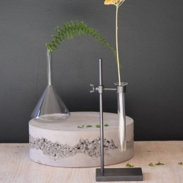 science lab stand and flower vase