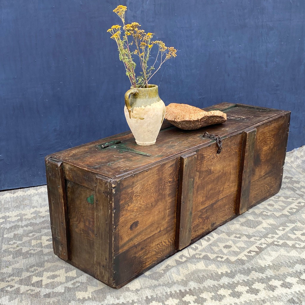Vintage Rustic Wooden Grain Trunk Coffee Table Home Barn Vintage