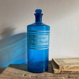Antique blue apothecary bottle – Swiet
