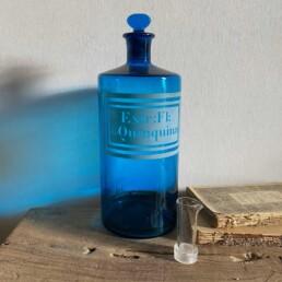 Antique blue apothecary bottle – Quinquina