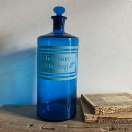 Antique blue apothecary bottle - Quinq