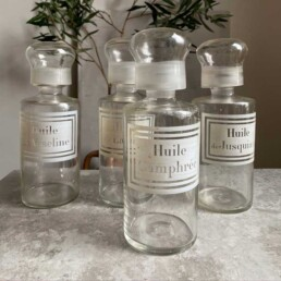 Antique Apothecary Bottle | Huile Camphree