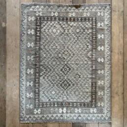 Handwoven Kilim rug | Hadyn 194 x 151 cm