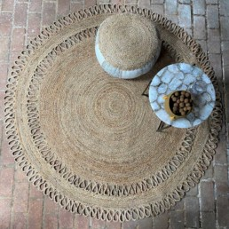 Hand woven jute circular rug